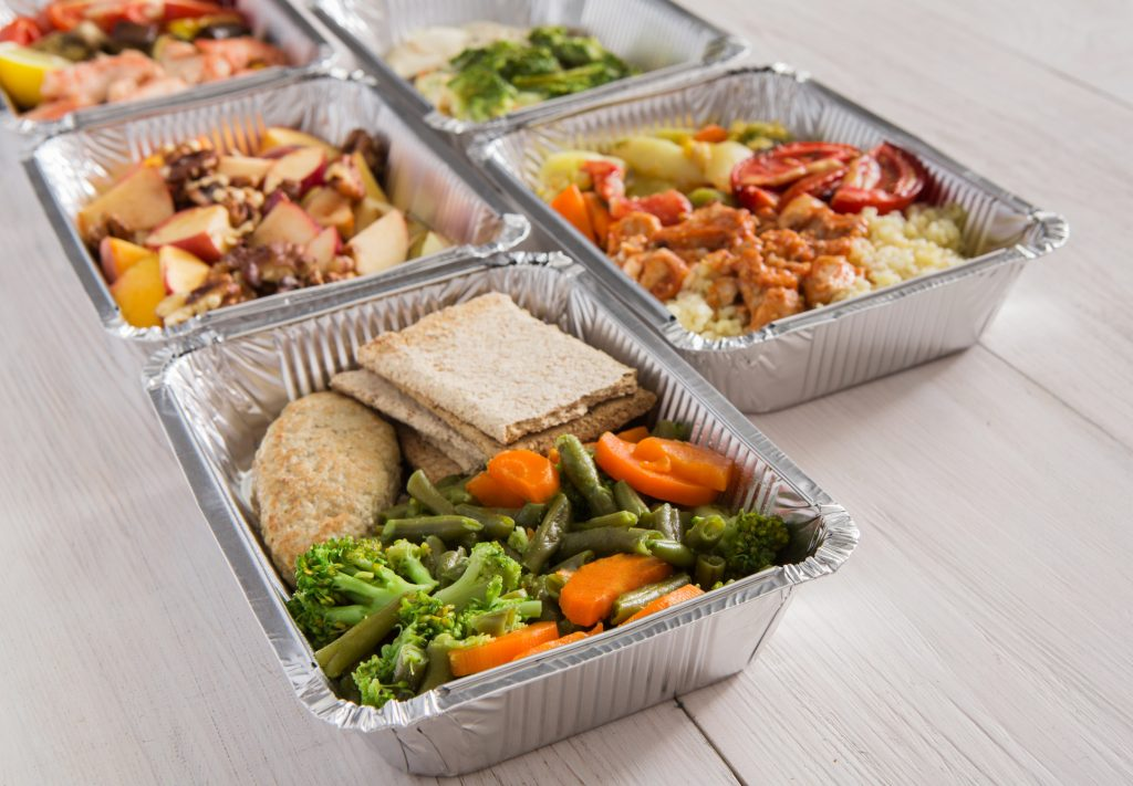Healthy food in portioned trays - category - specialized meals, etc.